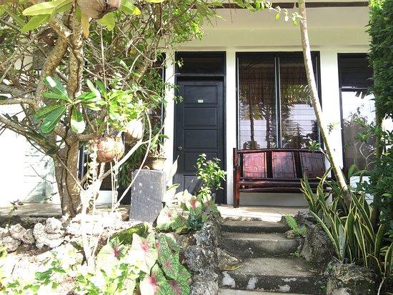 Dauis, Filippinerna: La Pernela Beachfront Resort