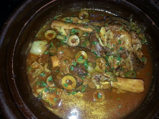 Wilsonville, Oregón: Lamb Tagine with artichoke, olive and lemon rind
