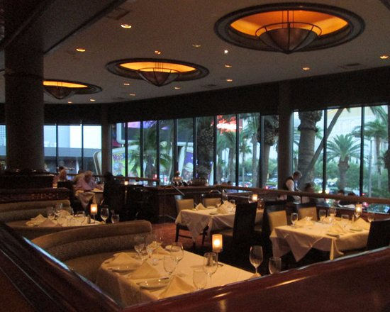 Ruth S Chris Steak House Dining Room Overlooking The Las Vegas Strip
