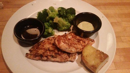 Starkville, MS: Cajun Grilled Chicken with Broccoli