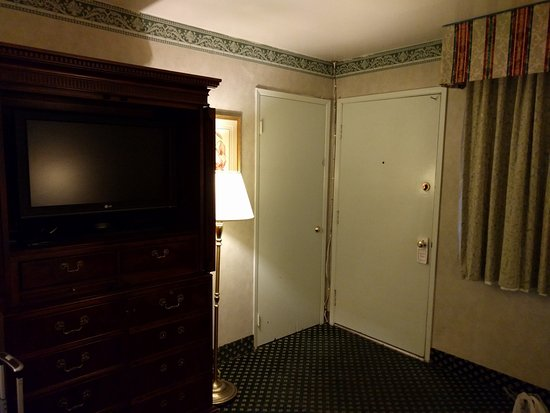 Caravelle Inn & Suites Photo