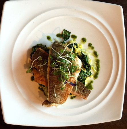 San Mateo, Californien: Crispy and tasty branzino fish