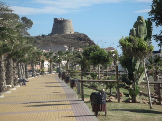 Benajarafe, Spanien: Paseo Maritimo