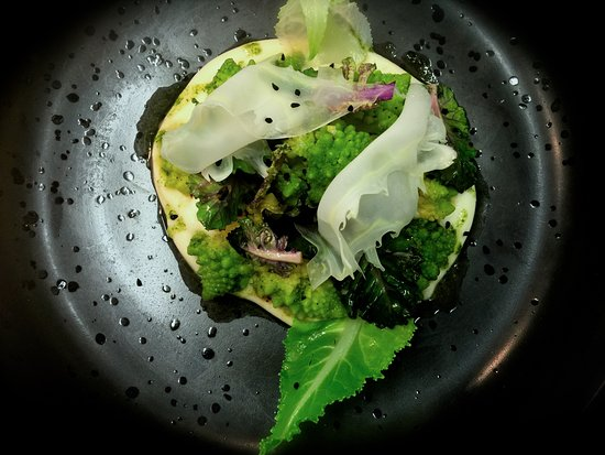 Thirroul, Australia: TEXTURES OF ROMAN CAULIFLOWER Chef ARMAN UZ