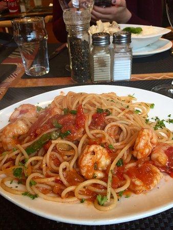 La Rustica : Linguine with prawns....excellent!