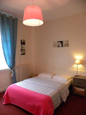 Hotel Mondial : Chambre Double