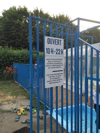 Limeray, Francja: Piscine toujours ouverte