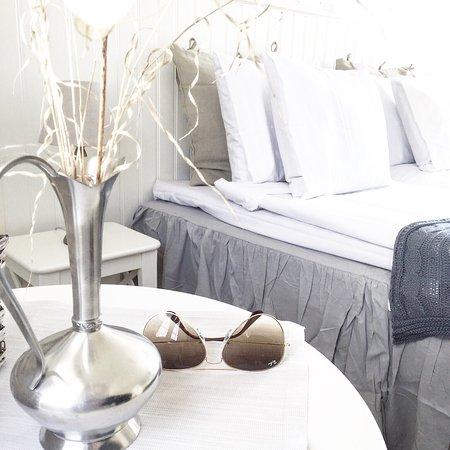 StrandNara Eco B&B: Ekocertifierat Bed & Breakfast in the Garden.