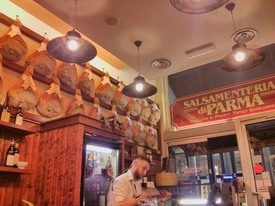 Salsamenteria di Parma: IMG_20160813_205344_large.jpg