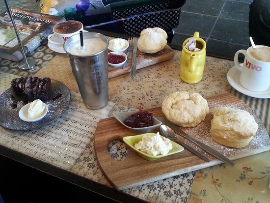 Canungra, Australia: Delicious morning tea !! The scones are enormous and fresh