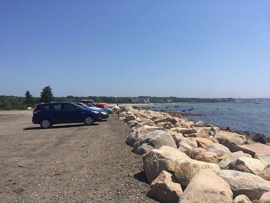 Mattapoisett, MA: Lots of parking!