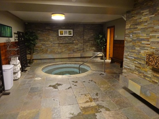 Mammoth Creek Inn: Spa