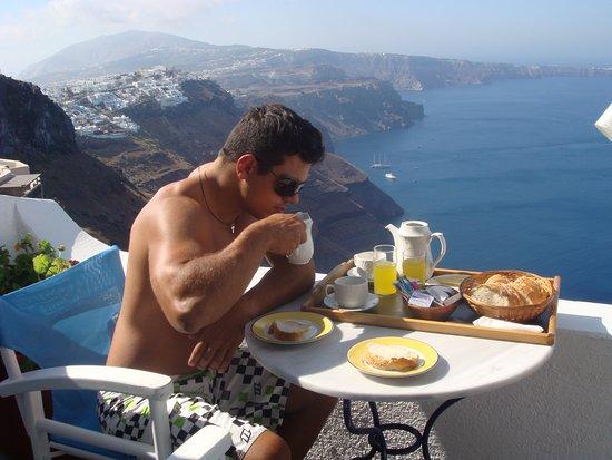 Artemis Villas: πρωινο
