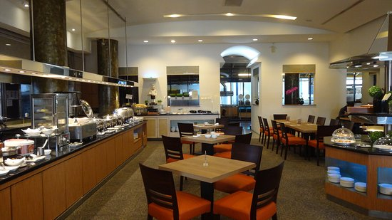 Hotel Tainan: 早餐空間