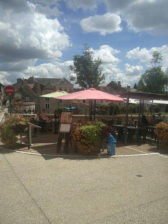 Montmorillon, Γαλλία: IMG_20160805_142023_large.jpg
