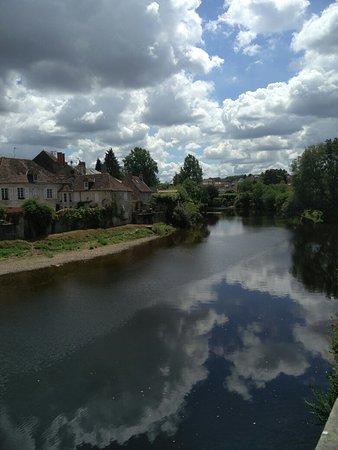 Montmorillon, Γαλλία: IMG_20160805_134659_large.jpg