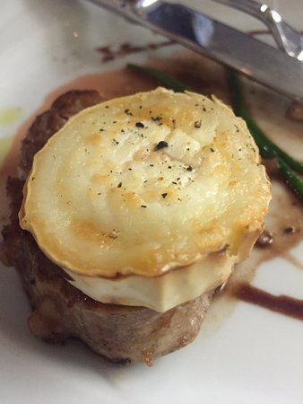 Ristorante Isardoro: Veal with goats cheese