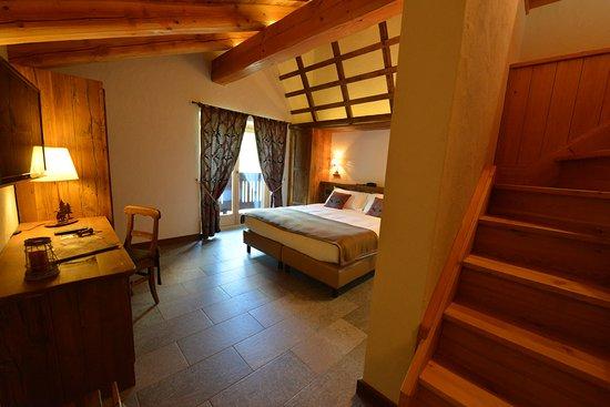 Hotel De La Tor Cogne