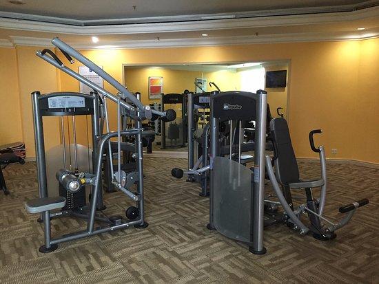 Riverside Majestic Hotel: Gym room