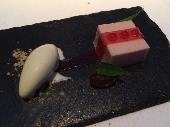 Alexander Restaurant at Padaste Manor: Amuse-bouche sucré aux baies