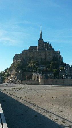 Abadía del Monte San Michel: 20160813_192300_large.jpg