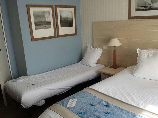 soleil vacances beach hotel chambre 222 le lit dappoint enfant - Lit D Appoint Enfant