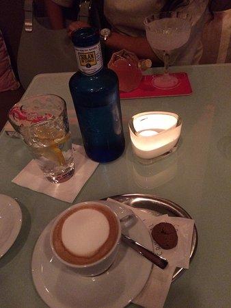 Crystal Bar and Restaurant: photo1.jpg
