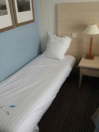 soleil vacances beach htel chambre 222 lit dappoint enfant de plus prs - Lit D Appoint Enfant