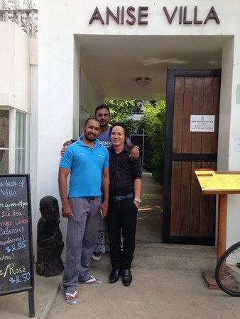 Anise Villa: With Hotel manager Mr Sok and My Frined