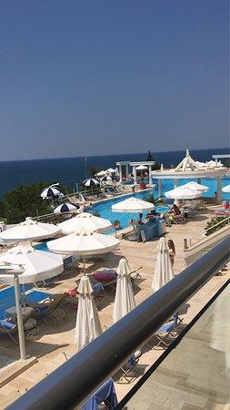 Charisma De Luxe Hotel: Manzarası harika