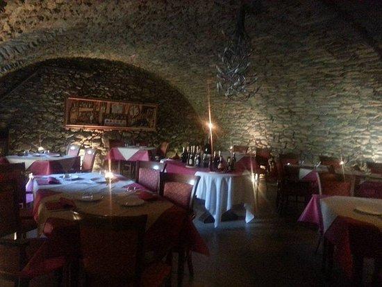 Saint-Marcel, Itália: la nostra taverna in pietra a vista