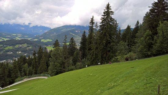 Saalfelden am Steinernen Meer, Austria: Met de sleeplift weer omhoog.