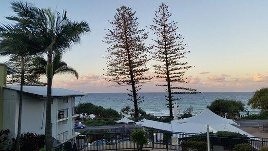 Coolum Beach, Australia: Great view at The Beach Retreat Coolum.