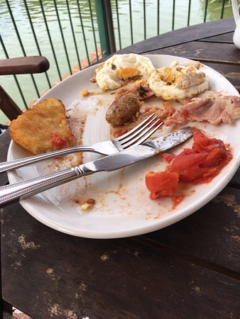 Hawkhurst, UK: Big breakfast but the sausages & bacon need to be cooked longer.