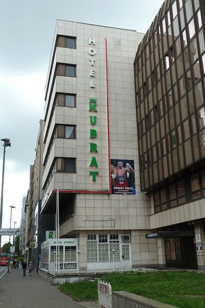 Hotel Kubrat Berlin Mitte: Offensichtlicvh GESCHLOSSEN, August 2016