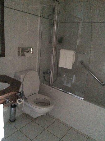 Chavannes-de-Bogis, Suisse : Bathroom