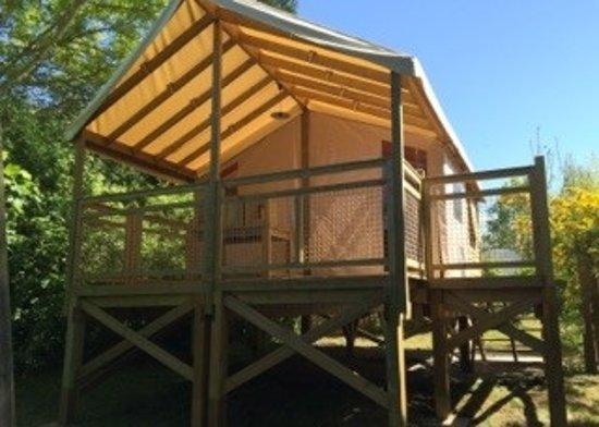 Camping du golf lodge reviews price comparison dives for Camping dives sur mer avec piscine