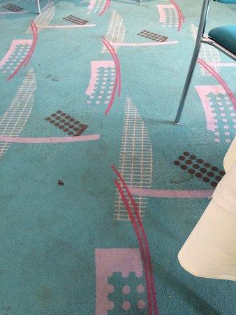 Arvena Kongress Hotel: Der Boden im Frühstückssaal. Lecker!
