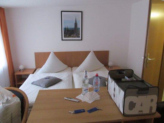 Hotel Anker Spanische Weinstube: Gerade angekommen...