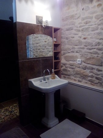 Saint Saturnin du Bois, Francia: coin lavabo