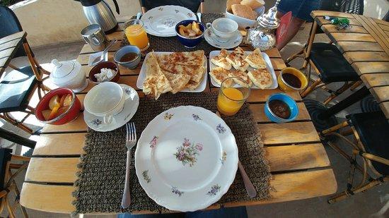 Riad Anata: 20160804_101736_large.jpg