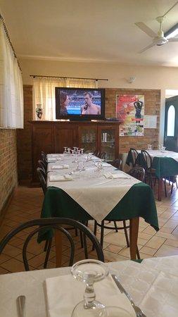 Sant'Angelo In Pontano, Italien: 20160814_134755_HDR_large.jpg