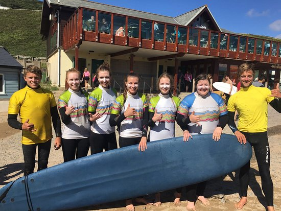 Saunton, UK: Girls surf day