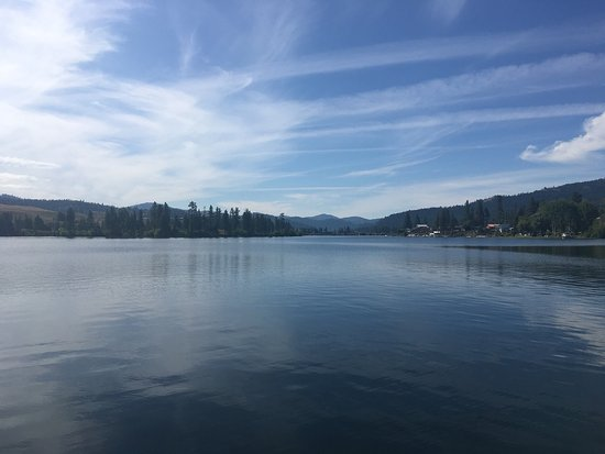 Republic, WA: Black Beach Resort is beautiful and friendly destination on Curlew Lake