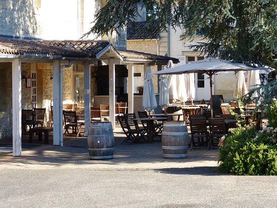 Terrasse ext rieure du restaurant avec vue sur le parc for Restaurant avec parc