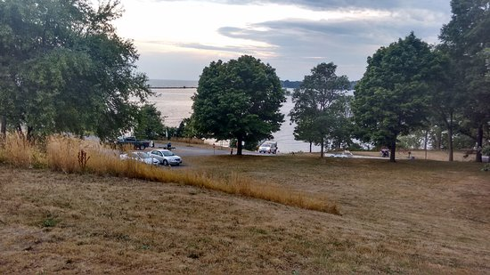 Lake Ontario Park: Dans le parc.