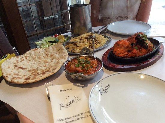 Khan's: Buena variedad de comidas