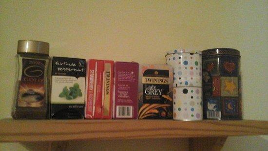 Northcraig Cottage B&B : choice of teas provided.