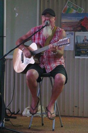 Palm Grove Holiday Resort: Bush Poet / Musician