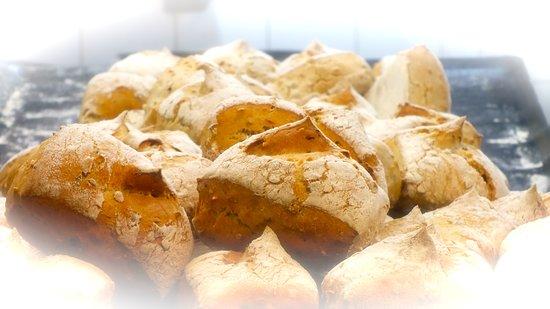 โมตีเยส์, ฝรั่งเศส: Petits pains du chef